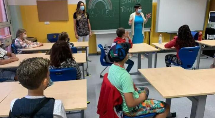১৩ হাজার শিক্ষক-কর্মী করোনা আক্রান্ত, তবুও স্কুল খুলছে ইতালি