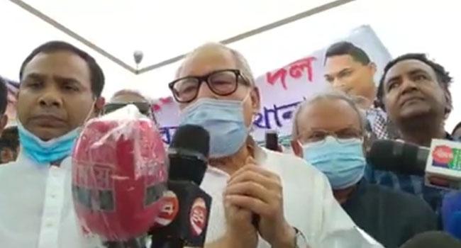 খালেদা জিয়ার অসুস্থতা চিকিৎসার বিষয়, রাজনৈতিক না : নজরুল ইসলাম