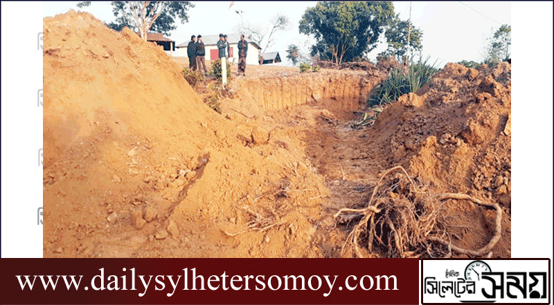 সুনামগঞ্জ সীমান্তের পাহাড় টিলা কাটছে একদল ভূমিদস্যু