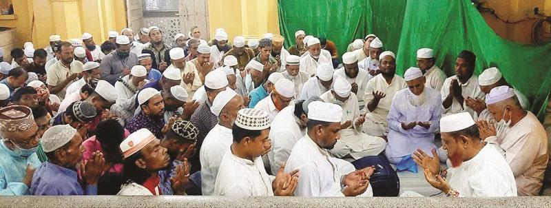 শাহজালাল (রহ.) মাজারে সাপ্তাহি মিলাদ অনুষ্ঠিত