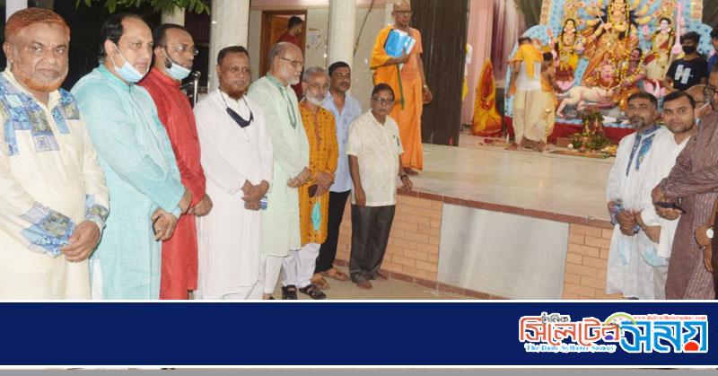 শারদীয় দুর্গোৎসবে পূজামন্ডপ পরিদর্শনে মহানগর আওয়ামী লীগের নেতৃবৃন্দ